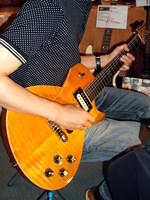 Frank Hartung Embrace Solid - TOKYO GUITAR SHOW